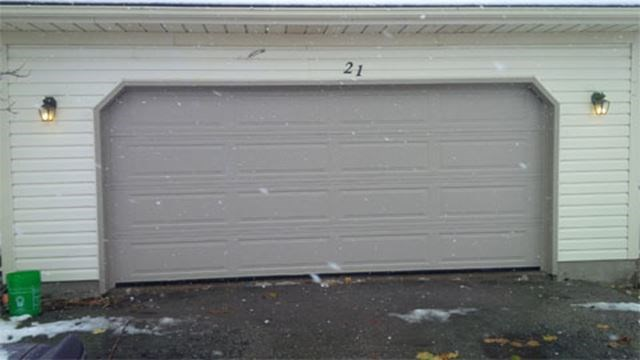 Tips for buying a garage door and automated opener