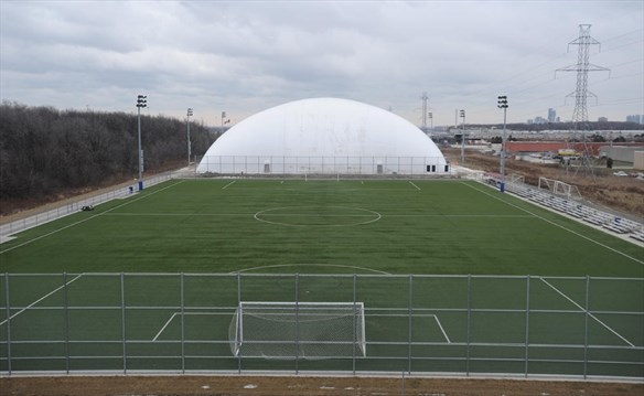 Right Choice Automotive >> Hershey field gets a lid | Mississauga.com