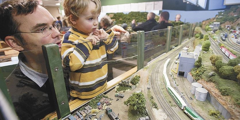 Christmas Model Railway.Weekend Events 10 Things To Do Model Railroad Show
