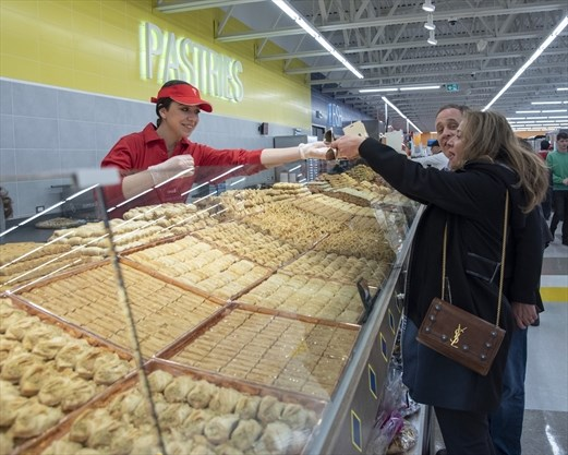 Adonis Supermarket opens its second store in Mississauga