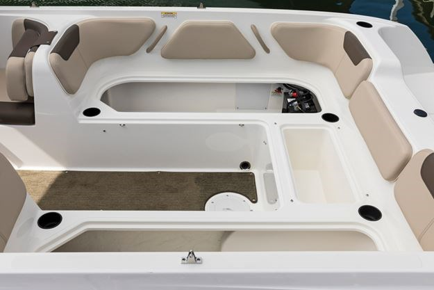 Bayliner Element E21 - An all-new design aimed at
