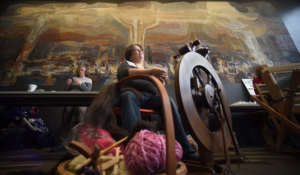 Do it yourself event attracted a lot of attention from a curious amanda chathi demonstrates how to spin using a castle spinning wheel and jacobs fleece saturday chathi a member of the kitchener waterloo weavers and solutioingenieria Gallery