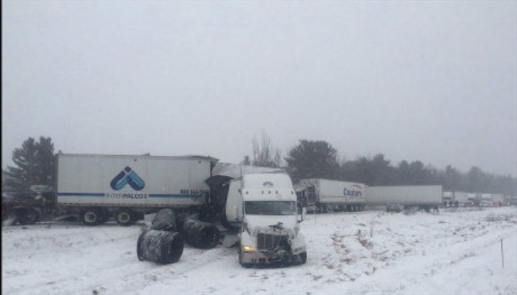 Hwy 401 still closed after fatal 30 vehicle pile up sparks 'mass