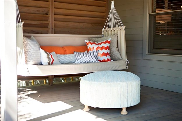 Sofa Pillows As Seen In This Outdoor Seating Area Bring A Touch Of Indoor Comfort To Deck Or Patio Melanie Johnson Photography Abbe Fenimore Via Ap