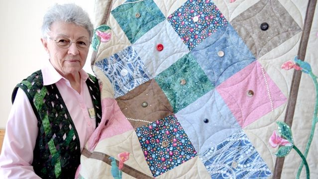 Simcoe County Quilters' Guild marks milestone in Barrie | Simcoe.com : sew and quilt barrie - Adamdwight.com