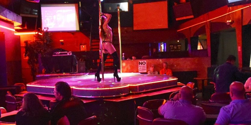 Mississauga tavern strip club