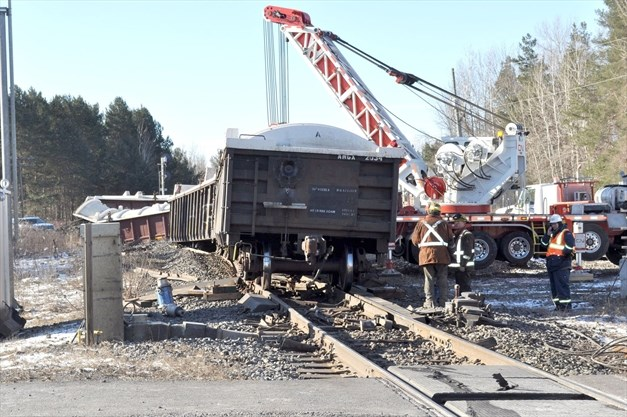 Multi-agency effort cleans up after CN train derails in