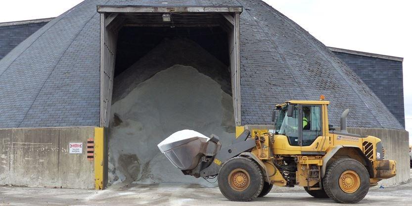 Mississauga winter crews ready for snowfall despite salt