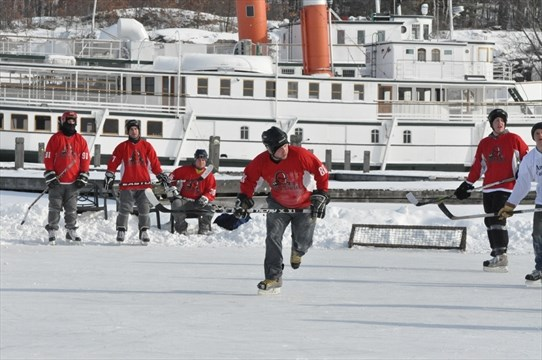 pond hockey tournament returns to muskoka wharf