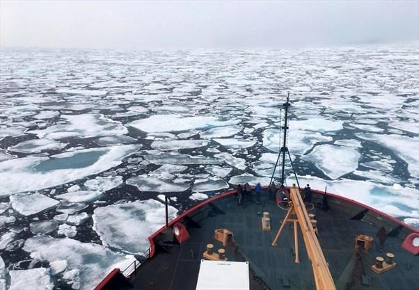 YEAR melting poles icebreaker