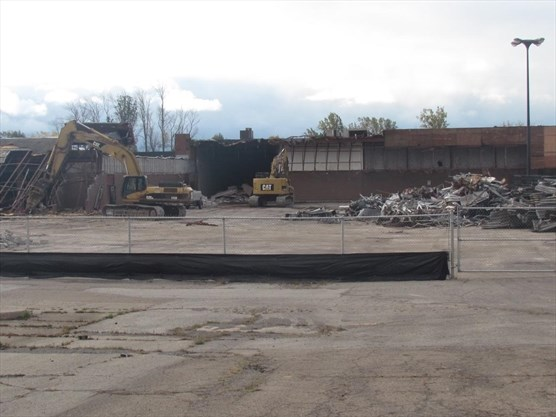 Fort Erie Mall Comes Down Stcatharinesstandardca