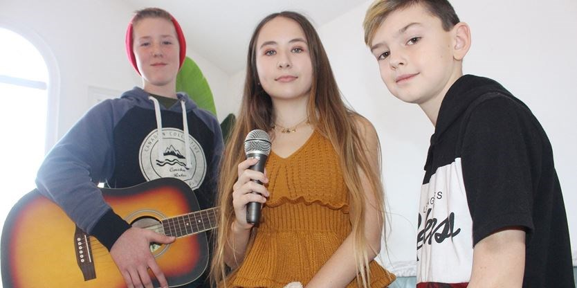 Wasaga girl hopes to hit the heights with voice | Simcoe com
