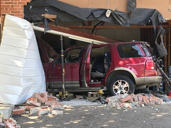 Update Driver Arrested After Suv Smashes Into Newmarket House