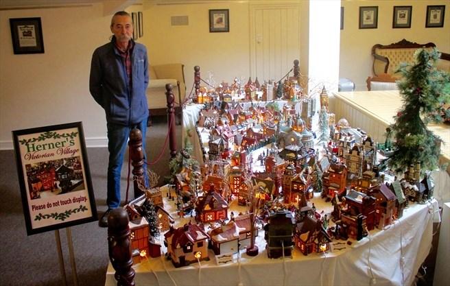 Miniature Christmas Village.Herner S Miniature Christmas Village A Hit At Castle Kilbride