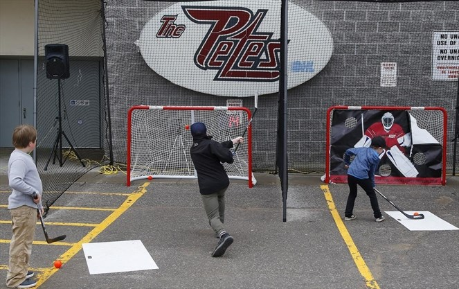 Game On! Ball hockey takes over Peterborough Memorial Centre
