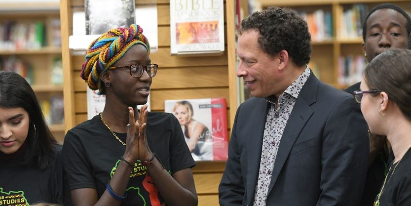 Durham students get lesson on the craft of writing | Toronto com