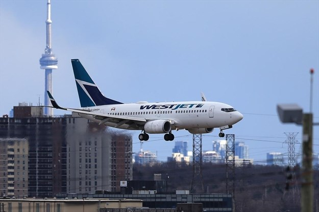 1,800 WestJet passengers affected in wake of Boeing 737
