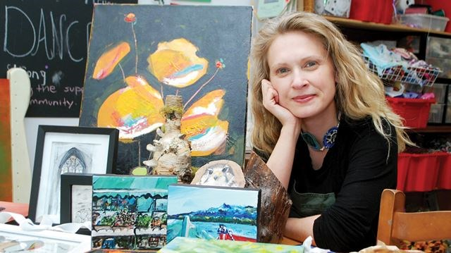 OSHAWA The Living Room Community Art Studio Founder Executive Director Mary Krohnert Showed Some Of Tje Pieces That Will Be Sold At Second