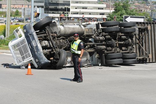 Thickson Road 401 westbound off ramp closed due to rollover
