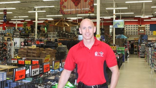 New Canadian Tire owner travels cross-country to Smiths Falls