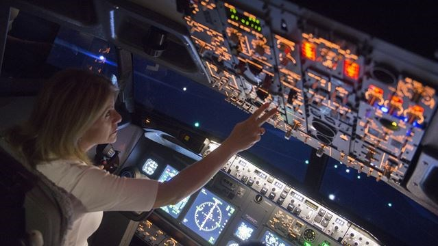 'Fly' a 737 at Burlington's new Fantasy Flight Simulators