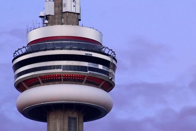 Nathan Ulloa S Evening And Daytime Cn Tower Toronto Com