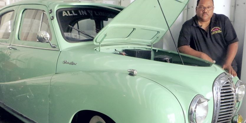 Prized old cars bring \'back home\' feeling to Scarborough\'s Tamil Fest