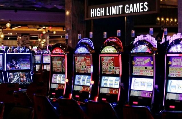 Slot machine 'calorie labels' cause problem gamblers to spend more - CalvinAyre.com