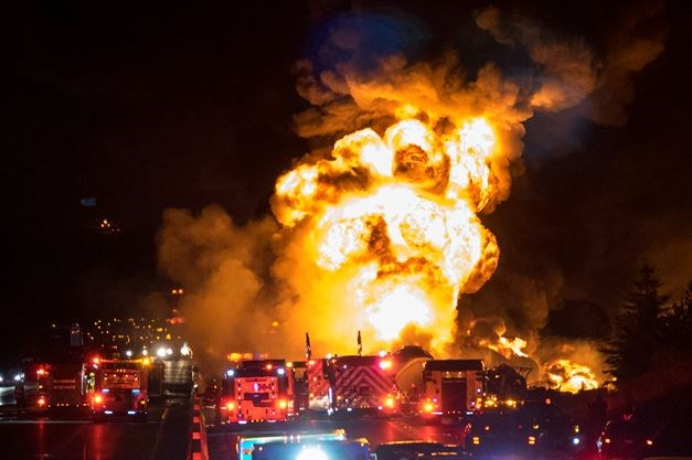 UPDATE: 3 people have died after massive Hwy  400 fiery crash