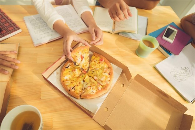 Leftover pizza could be a healthier breakfast than cereal pizza for breaky ccuart Choice Image