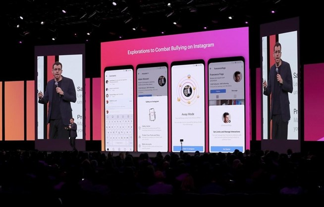 Embattled Mark Zuckerberg looks to Facebook's future | TheSpec com