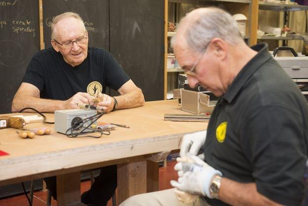 Burlington woodcarvers look to honour veterans beyond