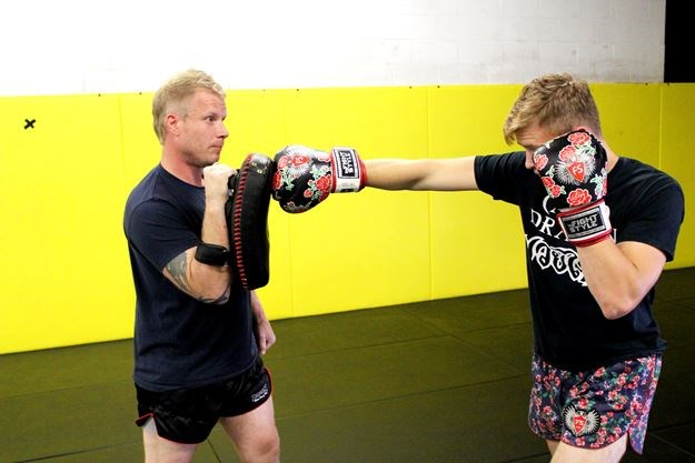 Hook up Muay Thai Boxe Ontario Columbus Ohio rencontres en ligne