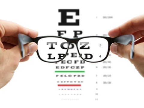 e93d8654cc0 The benefits of progressive lenses and their advantages over traditional  bifocals
