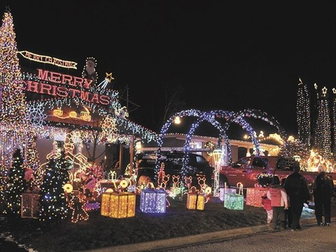 Williams Family Wins Best Lights In