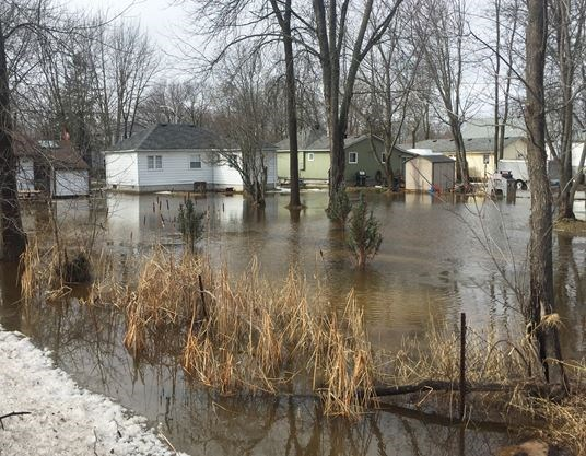 Willow Beach Ontario >> Roads Properties Swamped In Georgina Still Under Flood