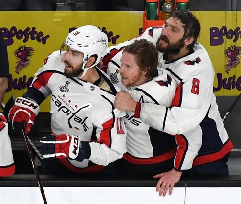 What happened in Vegas  All night with the Capitals and the Stanley ... 01792bf6cf4b