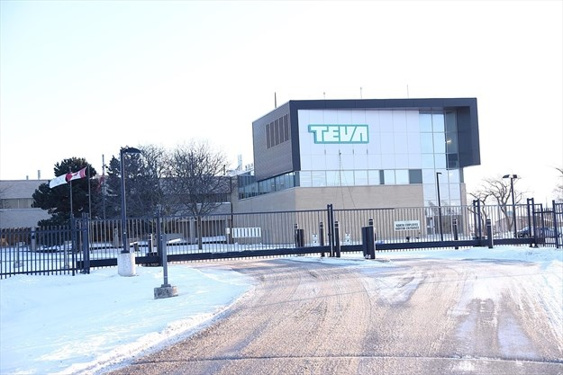 58f05e9ff Teva plans to cut 25 per cent of its workforce worldwide in by 2019 and is  also examining closing various plants like this one in Stouffville.