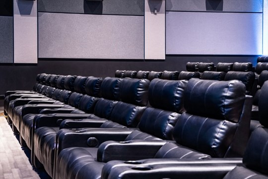 Recliner seating has been a hit in U.S. theatres and now itu0027s coming here. - Landmark Cinemas & PAUL WILSON: La-Z-Boy-style comfort for downtown Hamilton theatre ... islam-shia.org