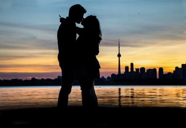 best dating places in toronto