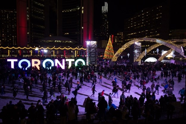 Cavalcade Of Lights Fireworks Live Music And The Official