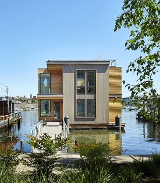 Everything's a little lighter in a floating home | TheSpec.com on mobile river, mobile swimming pool, mobile shipyard, mobile hot tub, mobile restrooms, mobile storage shed, mobile island, mobile bridge, mobile floating deck,