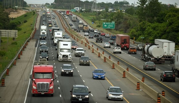 Widened Hwy 401 will have HOV lanes for taxis, electric cars and