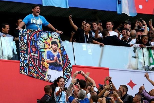 Diego Maradona Famous For Hand Nose And Fingers Toronto Com