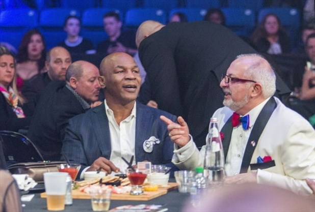 Bayshore in rumble over tyson meet and greet niagarathisweek former heavyweight boxing champion mike tyson talks with robert megna ceo and president of bayshore during fight for youth the boxing card pitted canadian m4hsunfo