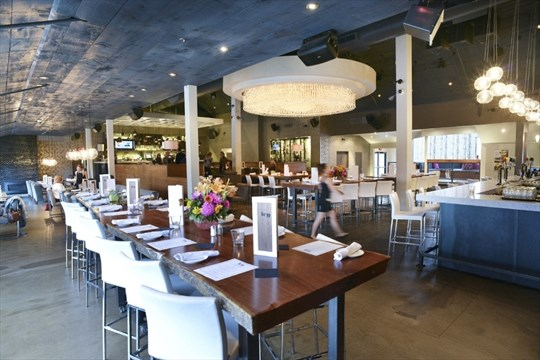 Ivy Bar And Kitchen Is A Large High Ceilinged E That Feels Like Set From The City John Rennison Hamilton Spectator