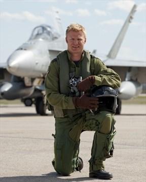Guelph Man Graduates From Cf 18 Pilot Training Therecord Com