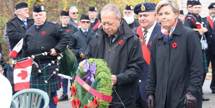 Wasaga Beach honours Remembrance Day   Simcoe com