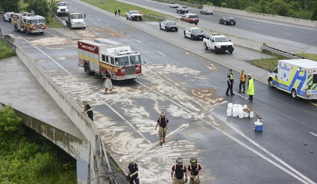 Crash closes part of Red Hill Valley Parkway for more than