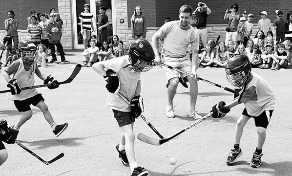 Ottawa Students Win Chance To Play With Carp Hockey Pro Toronto Com